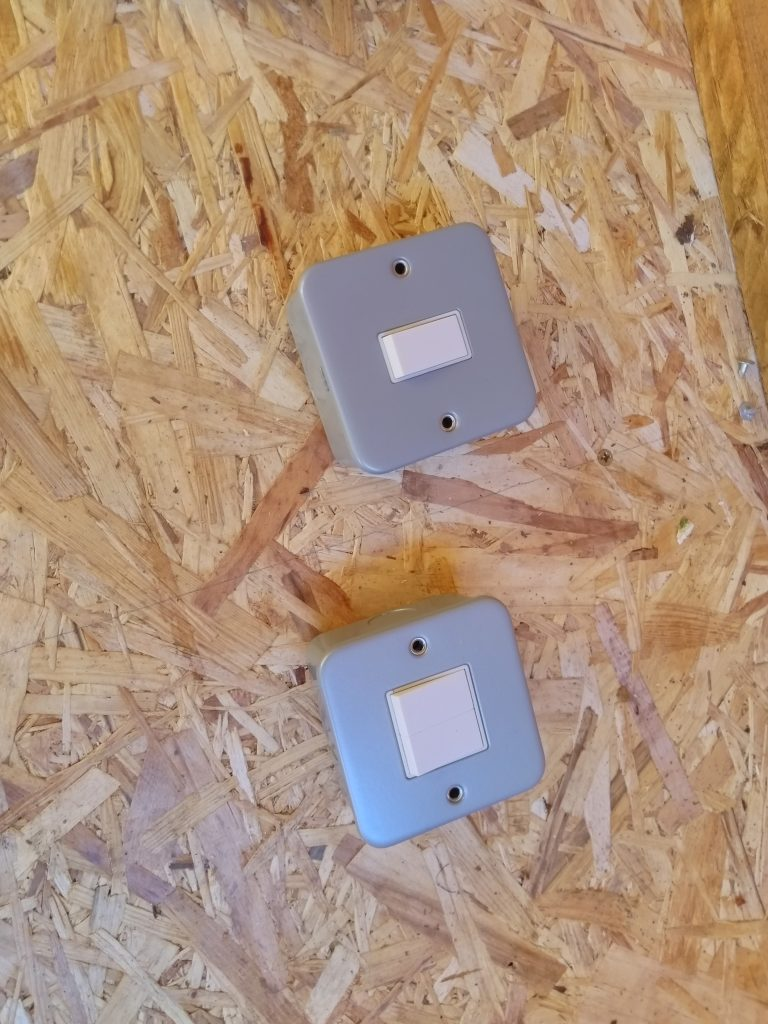 Metal Clad Light Sockets