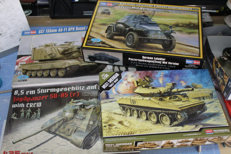 plastic scale model tanks, self propelled gun and scout car