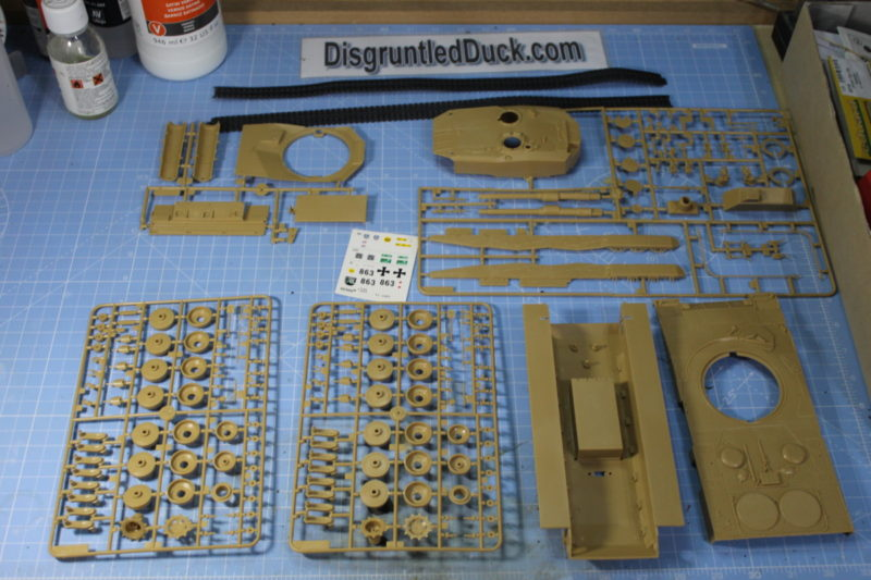 The Parts Of The Leopard 2 Main Battle Tank Scale Model .